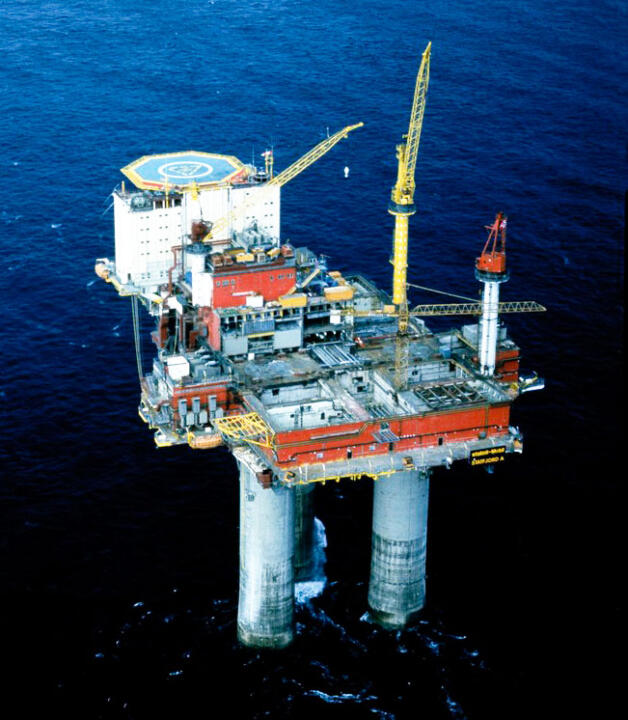 <strong>Nordsee (GB)</strong> <br/>Bei der Erweiterung einer Gasförderplattform mitten in der Nordsee mussten neue Fundamentgelenke montiert werden.